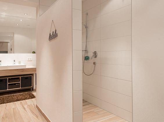 fliesenarbeiten in b dern unserer kunden fliesenlegen mit system. Black Bedroom Furniture Sets. Home Design Ideas