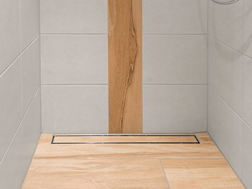 barrierefreie duschen und b der geflieste duschbereiche fliesenlegen mit system. Black Bedroom Furniture Sets. Home Design Ideas